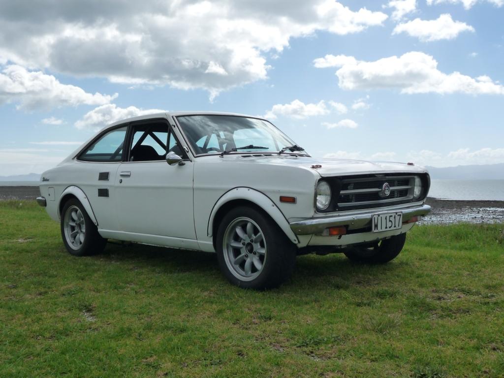 classic-windscreens-datsun-1200gx
